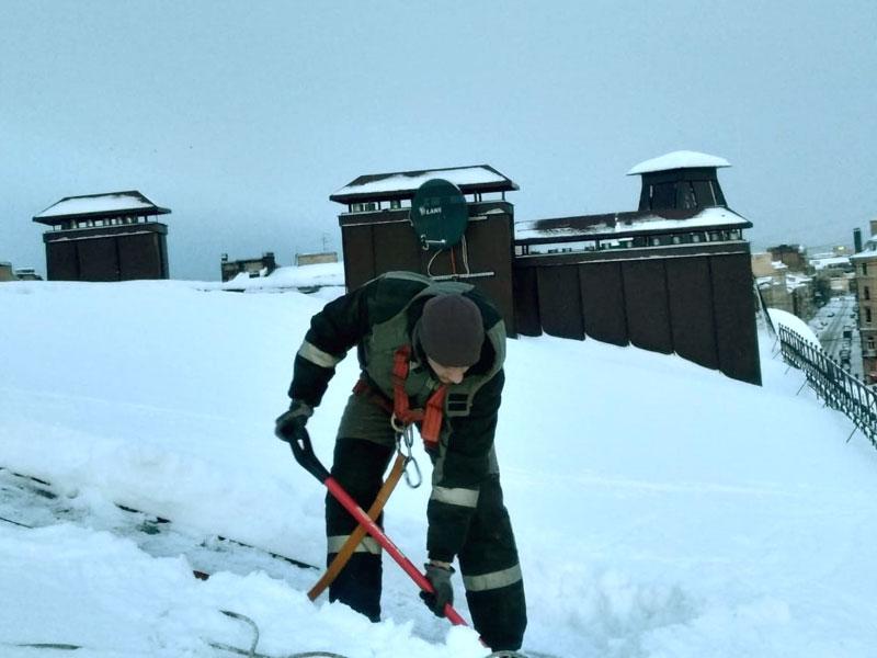 Скрепер для уборки снега металлический
